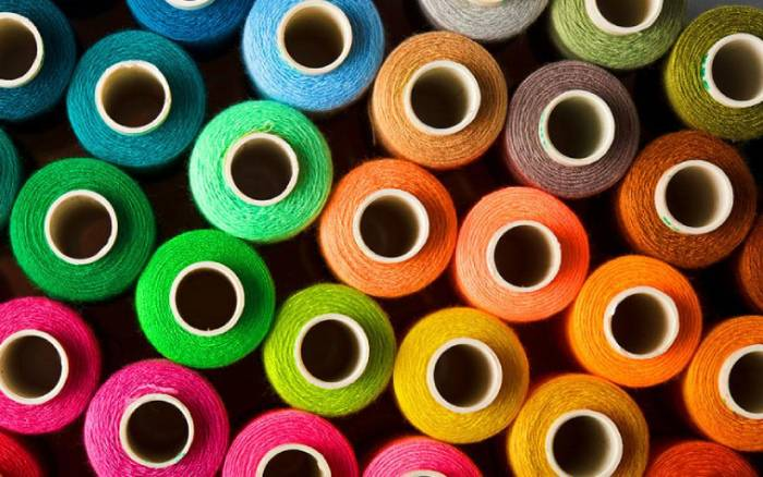 kolorowe nicie